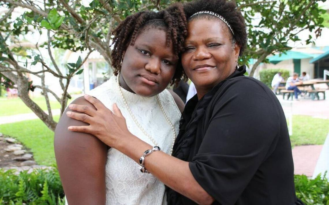Mya Wright and her mother at Mya's high school graduation. (Photo: Ransom Everglades School)