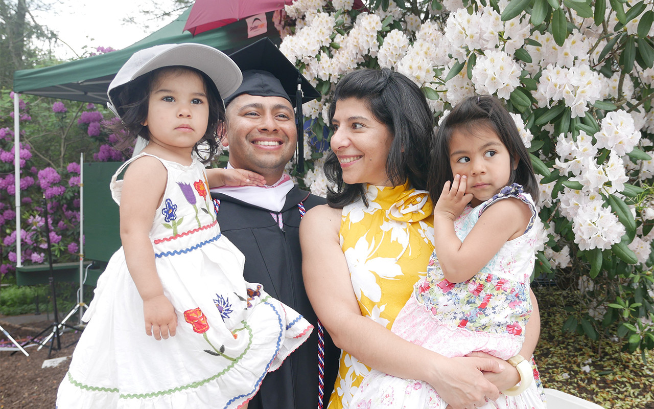 Eduardo De La Torre, Vassar Posse Scholar on graduation day with his family