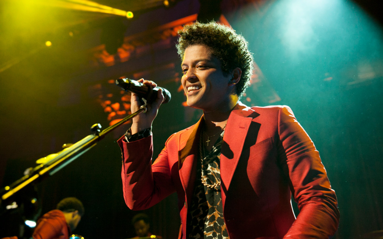 Bruno Mars performed at Posse's Annual Gala, An Evening of Stars.